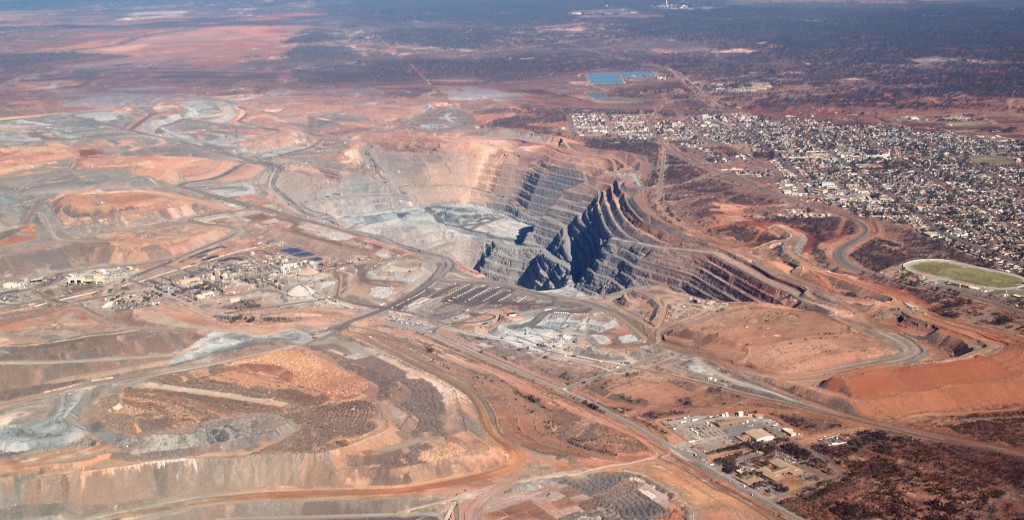 The super pit, Kalgoorlie, Western Australia (andrewcparnell)