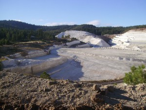 "Diatomite Mine in Northern California ""Big Diatomite Mine"" by Alisha Vargas on flickr CC BY 2.0"