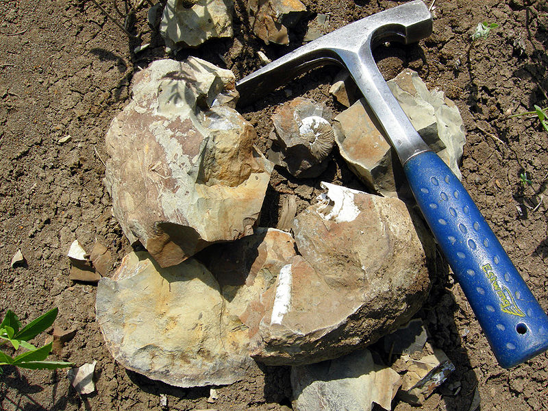 Geologist's hammer or pick