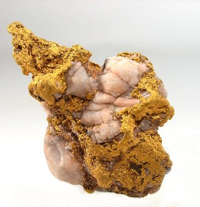 Coarse gold nugget from Bendigo  CC-BY-SA